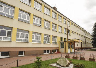Zespół Szkół w Łopusznie